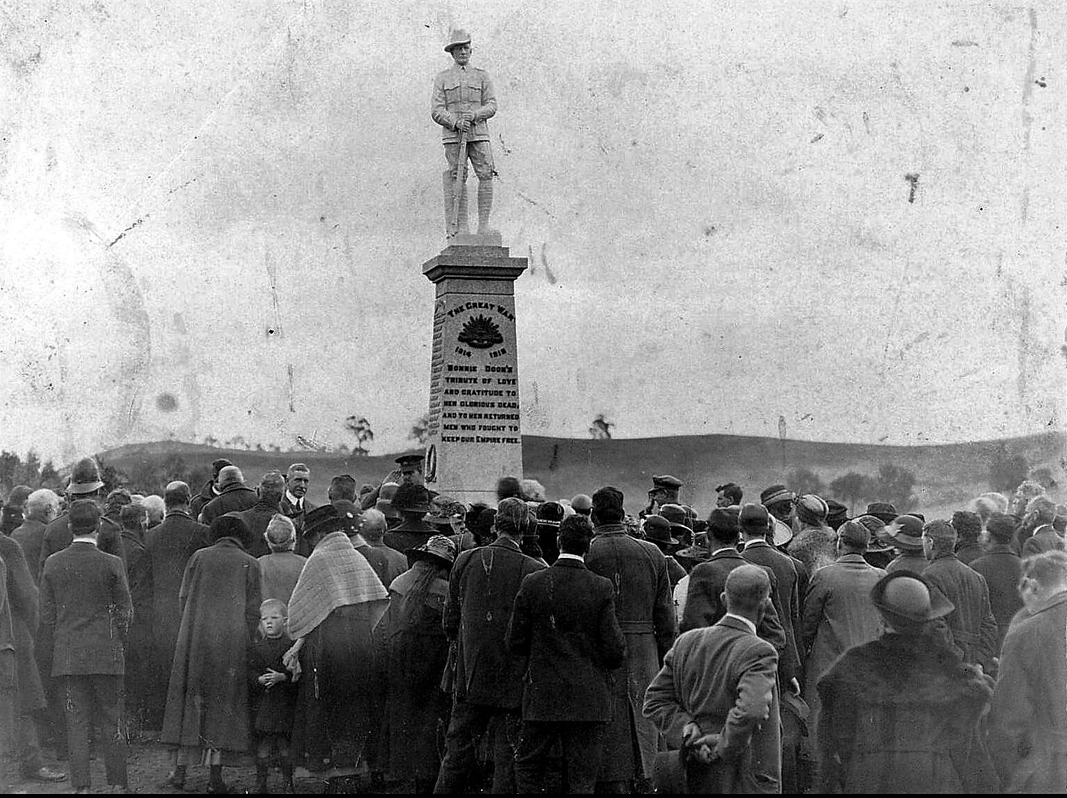 War memorial unveiled 1921